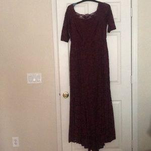 Torrid Sz16 Burgundy Lace Gown